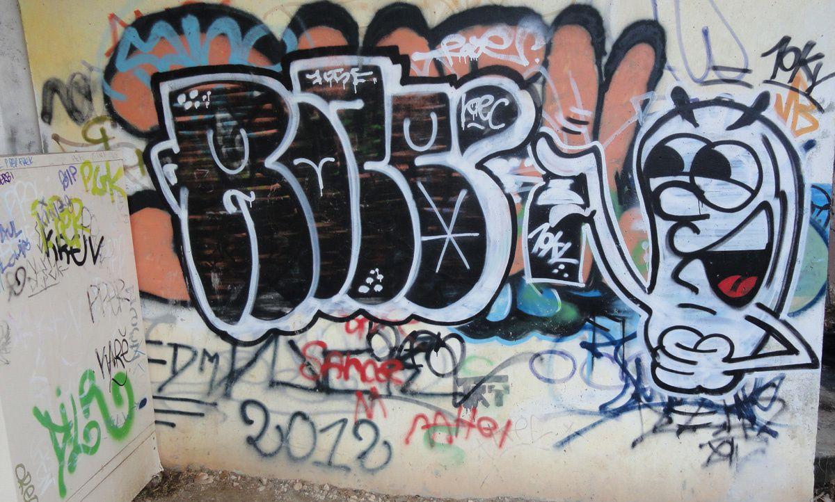 Street Art : Graffitis &amp&#x3B; Fresques Murales 17300 La Rochelle