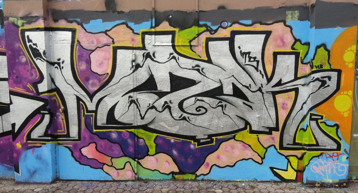 Street Art : Graffitis &amp&#x3B; Fresques Murales 50825 Koln (Germany)