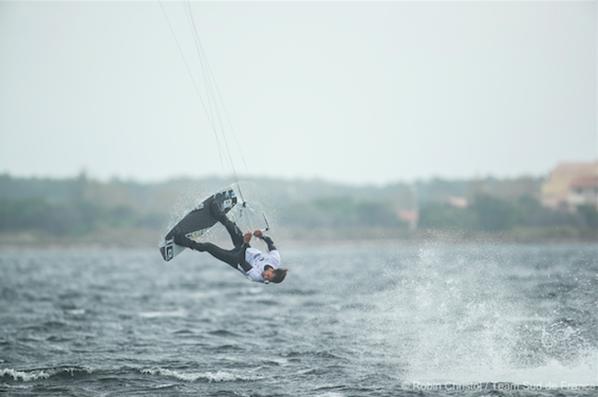 Valentin Garat, Champion de France Kitesurf Freestyle 2016 au Barcarès ©Robin Christol / Team Sud de France