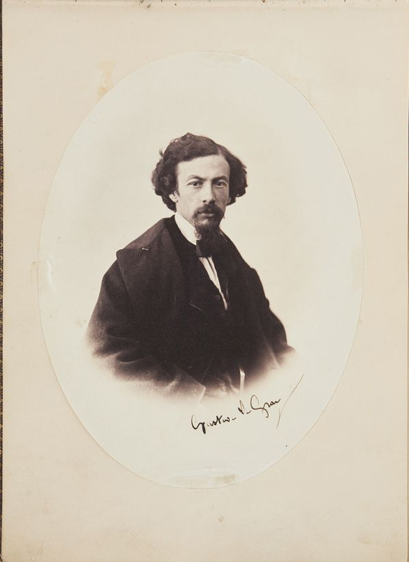 Une des 113 épreuves de l'album de Gustave Le Gray. Autoportrait. Estimation : 120 000-150 000€