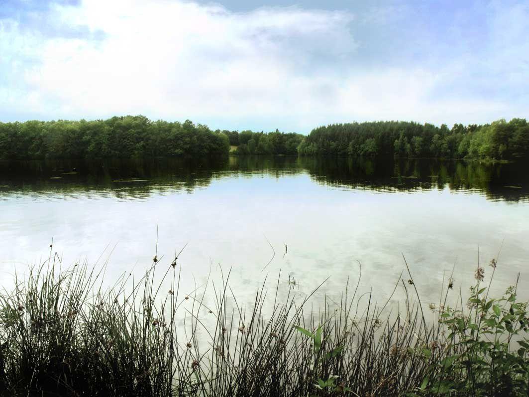 Le lac de la Ramade, commune de Flayat, Creuse, photo LD