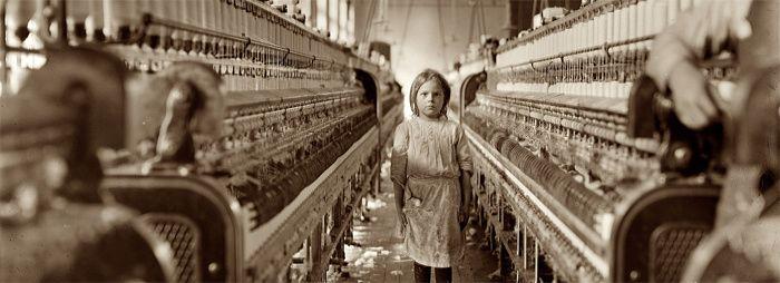 Lewis Hine, (1874-1940), Spinner in Globe Cotton Mill, Augusta, Georgia, 1909
