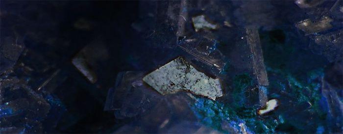 ... Pâle guetteur d'éternité polissant mon mal et ma gemme, retiré, au cœur du poème ...