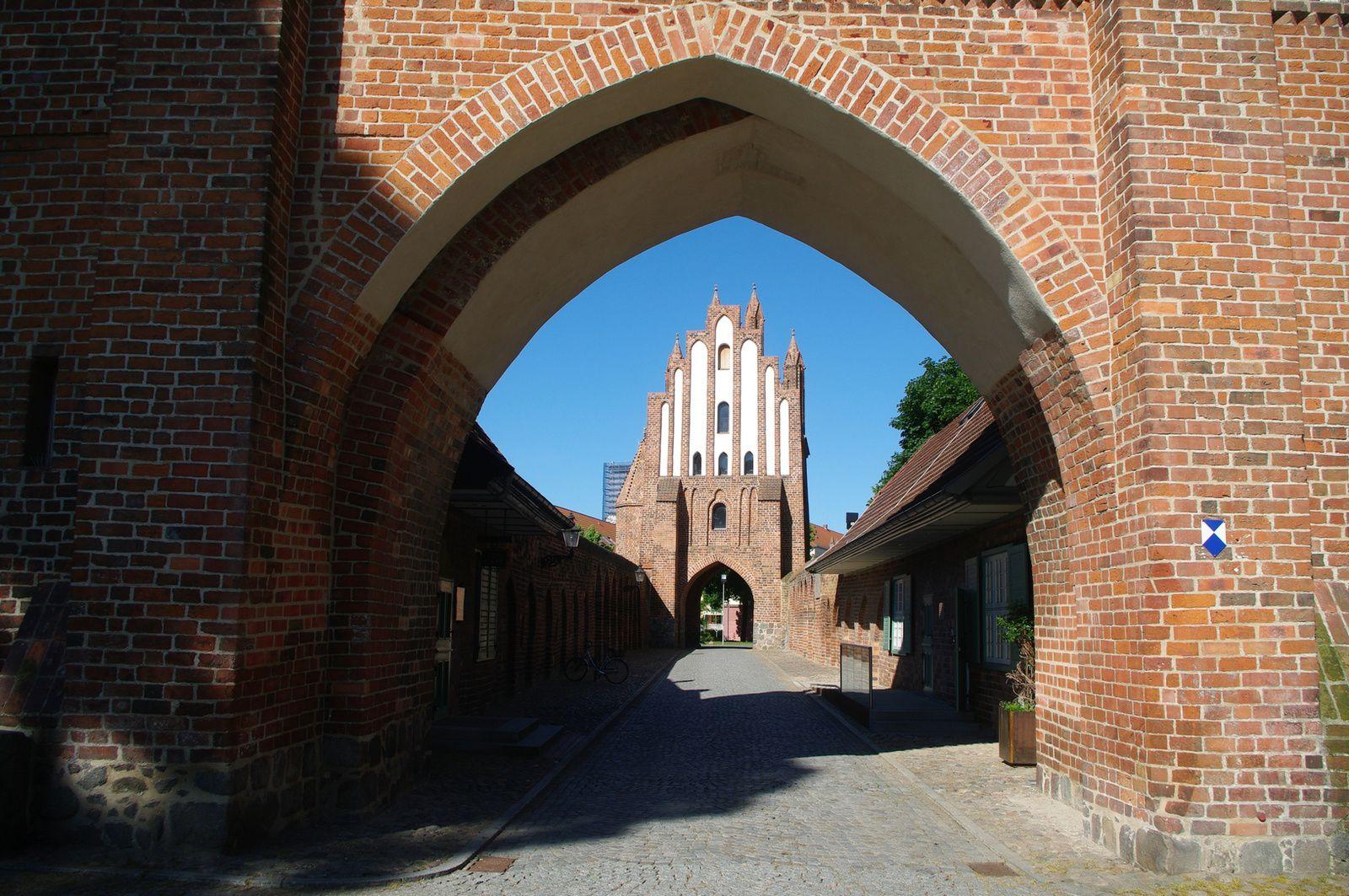 porte de Treptow , qui possède une tour de 32m de haut