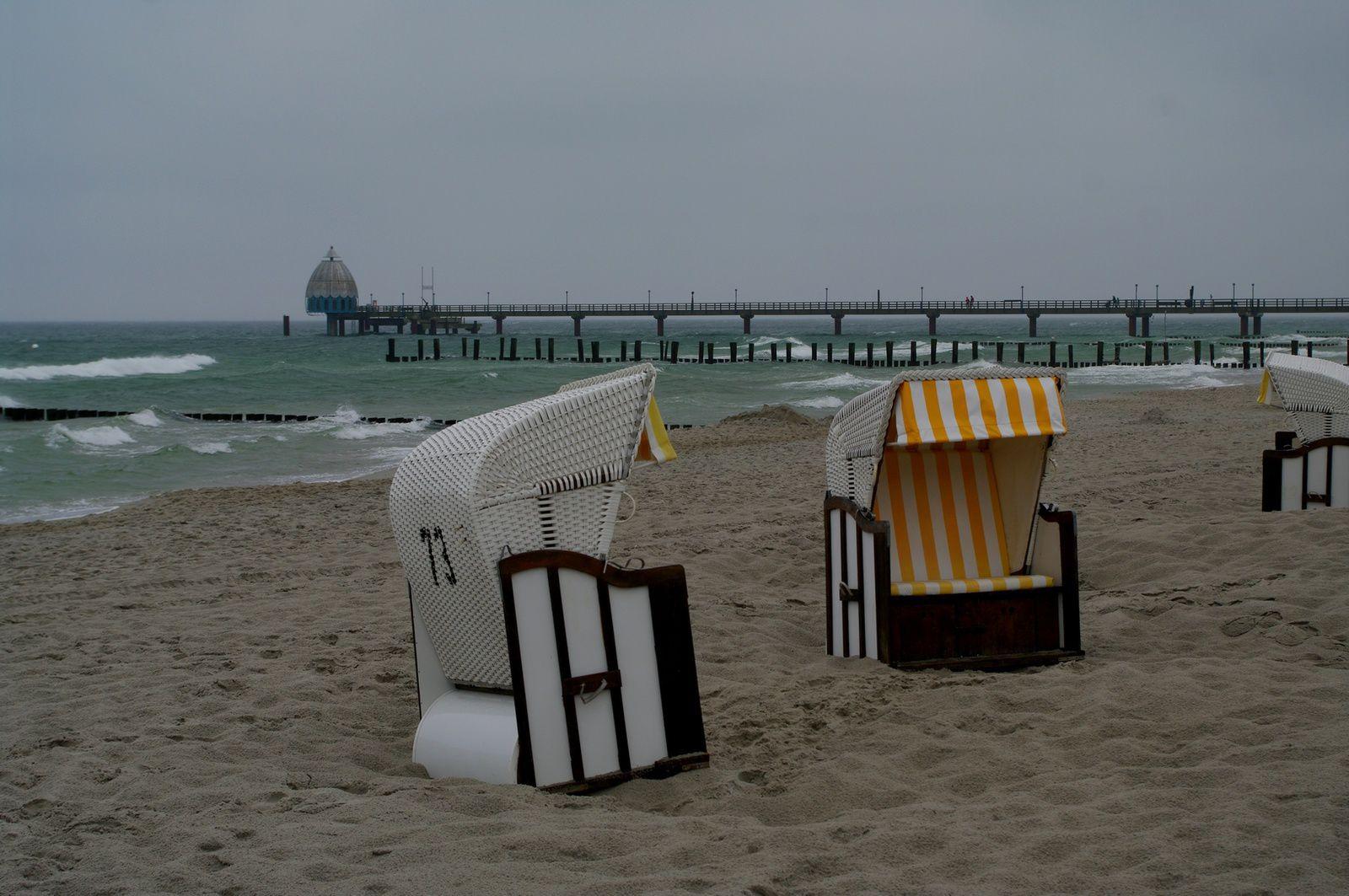 la plage est déserte !!! brrrr !