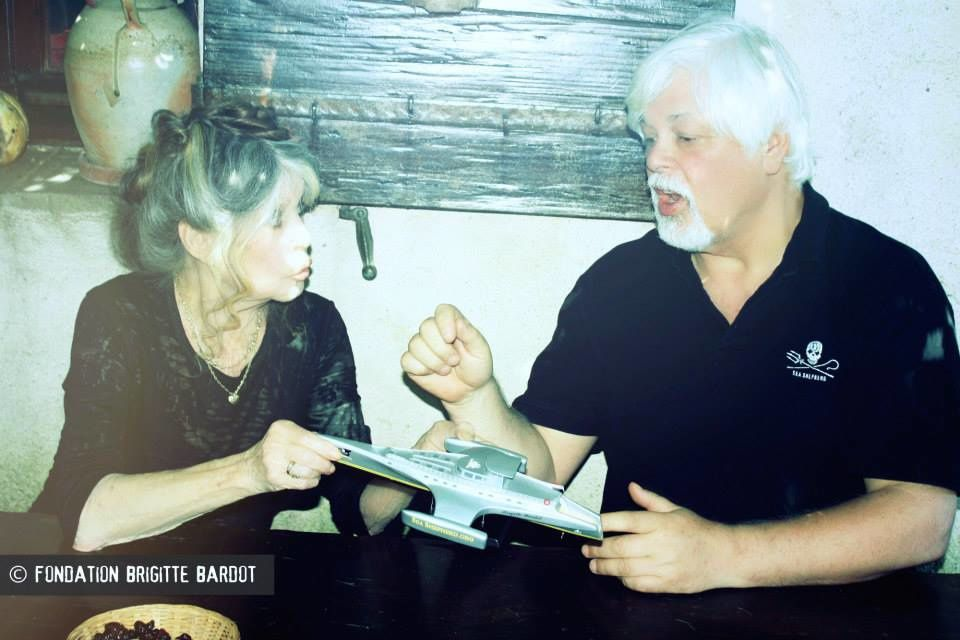 Paul Watson en France trouve refuge chez Brigitte Bardot