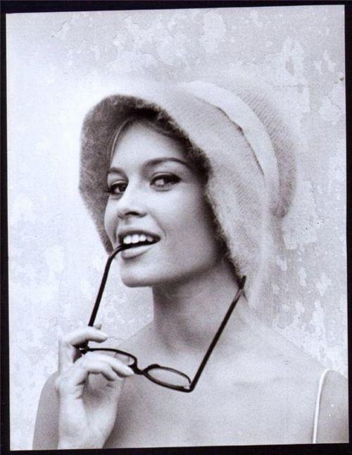 Brigitte Bardot en N et B...