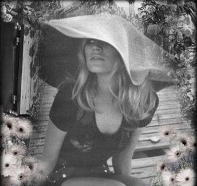 Brigitte Bardot : Nouvelles Créations de Julia