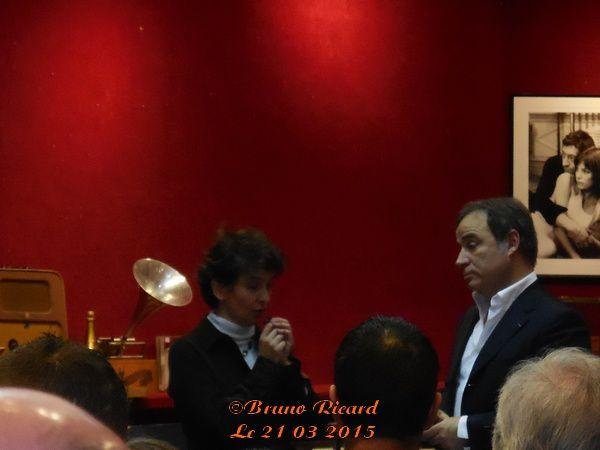 Ariière, arrière, arrière petie fille de Gustave Eiffel et Fabien Lecoeuvre expert de cette vente aux enchères...