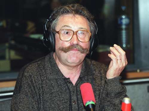 """Michel Lis, journaliste radio (1er février 1937 - 9 juin 2015)   Le journaliste Michel Lis, dit """"Michel le jardinier"""", du nom de la chronique qu'il a animée de 1972 à 2005 sur France Inter, est décédé à Paris à l'âge de 78 ans. """"A partir de 1972 et pendant plus de trente ans, il est (...) le producteur et l'animateur de La minute du jardinier qui deviendra la célèbre 'Michel le jardinier' """", rappelle France Inter sur son site."""
