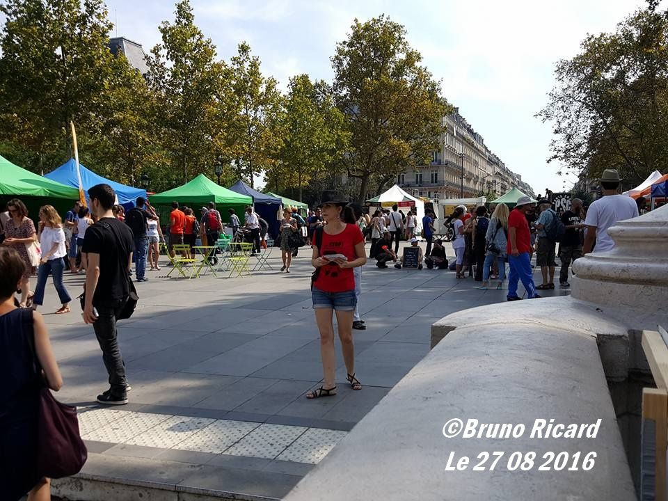 Place de la république &quot&#x3B;Vegan Place&quot&#x3B; du 27 08 2016...