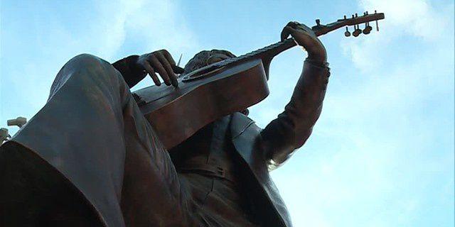 La statue de Manitas de Plata sur la place de l'hôtel de ville à Montpellier
