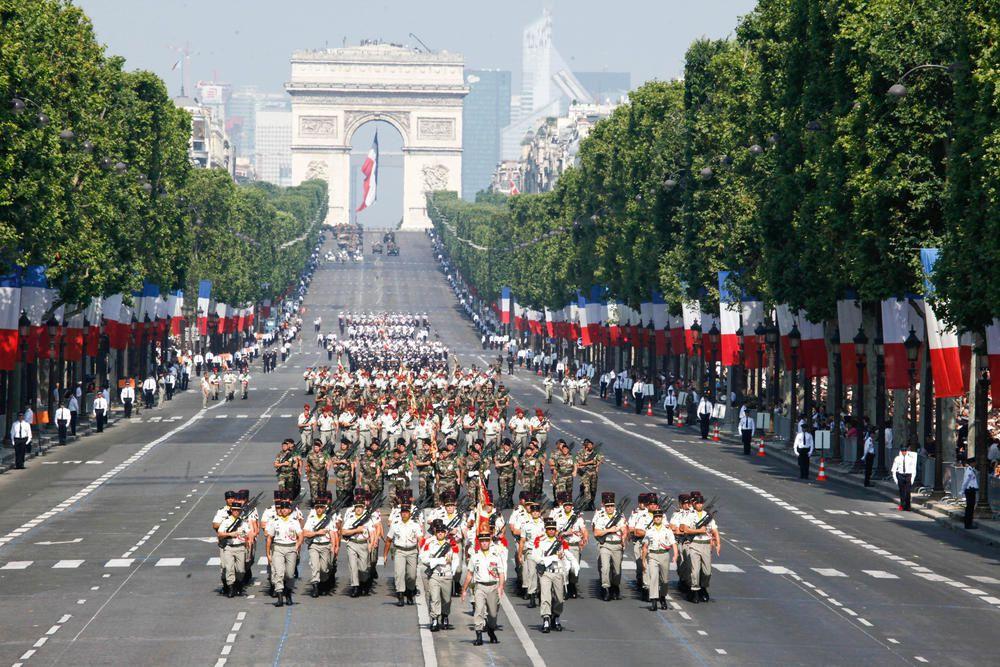 Programme détaillé du défilé du 14 juillet 2014 : horaires et troupes.