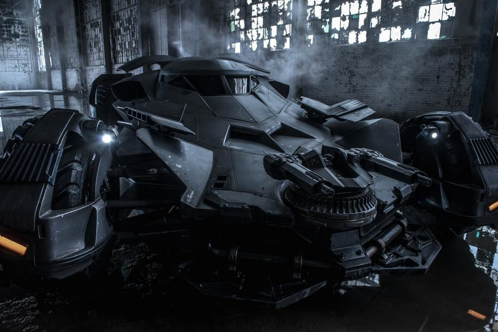 Batman Vs Superman : photo de la Batmobile.
