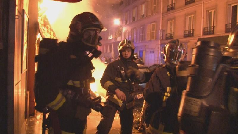 Document inédit à voir : Pompiers, immersion au sein de la caserne de Champerret.
