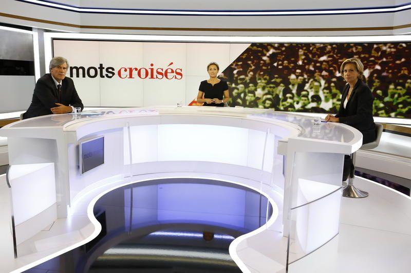 Photos : Le nouveau plateau de Mots croisés.