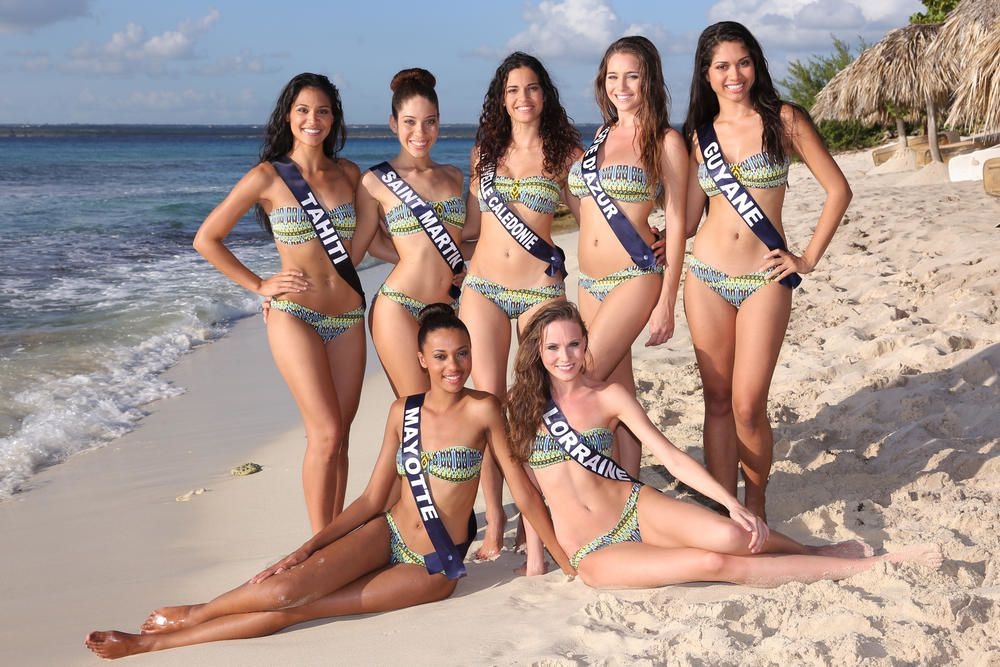 Les favorites de Miss France 2015, dont Camille Cerf et Hinarere Taputu.
