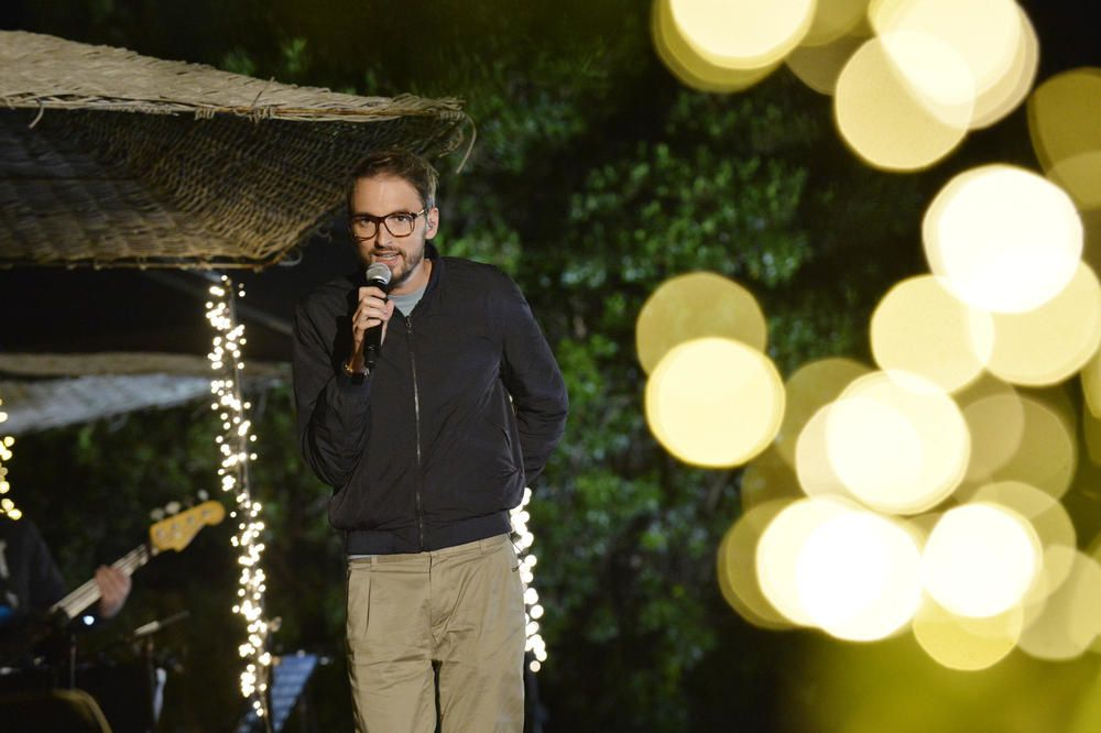 Stars au grand air : Idéaliser chanté par Christophe Willem devant Alizée émue.