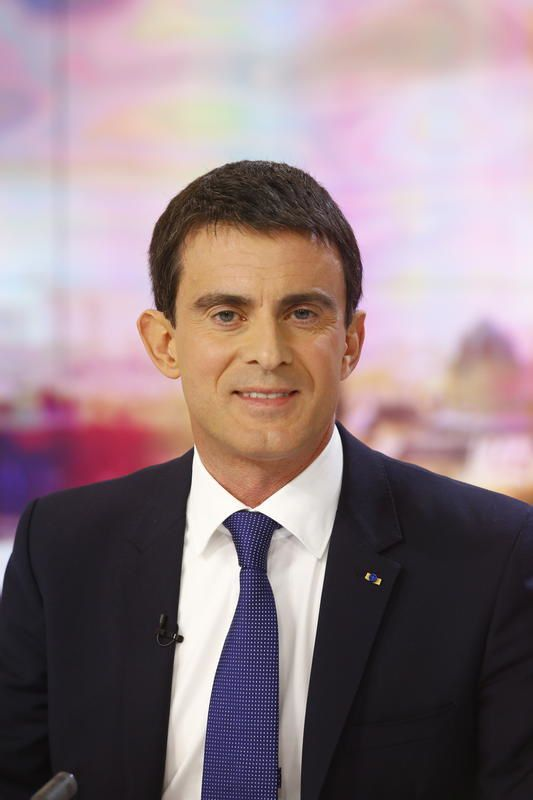Document sur Valls et portrait d'Ayrault sur France 3.