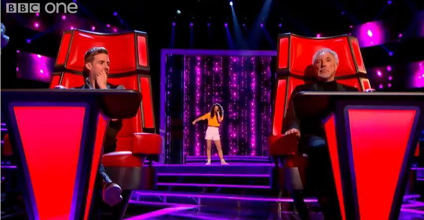 Auditions de The Voice UK : Vikesh Champaneri, Claudia Rose, Stephen Cornwell, Karis.
