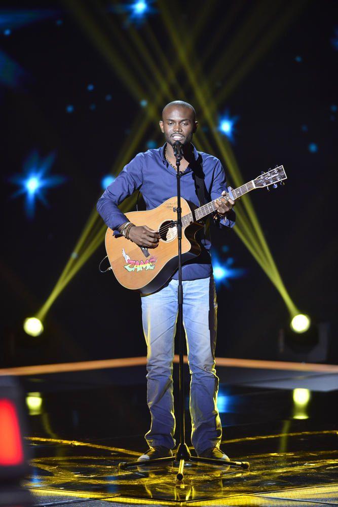 Ecoutez Alvy Zamé reprendre One Day d'Asaf Avidan, dans The Voice.