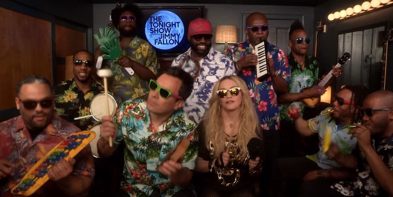 Madonna, Jimmy Fallon &amp&#x3B; The Roots reprennent Holiday.