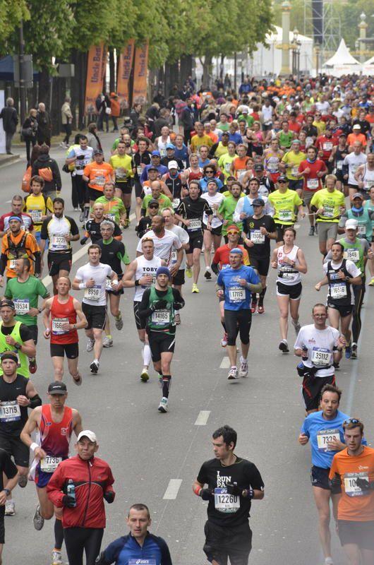 Diffusion en direct du marathon de Paris ce dimanche matin.