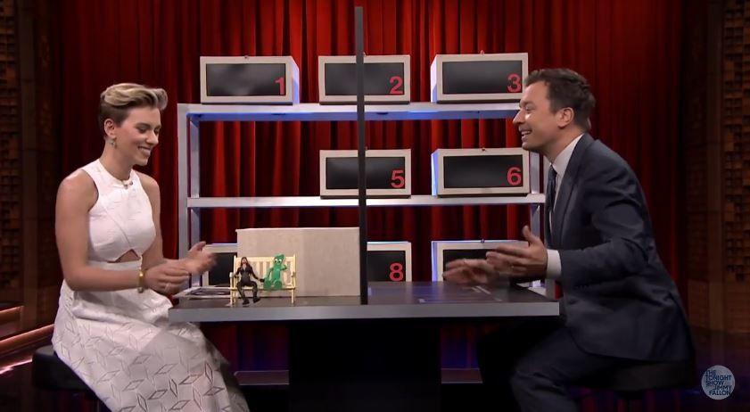 Box of Lies avec Scarlett Johansson et Jimmy Fallon (vidéo).
