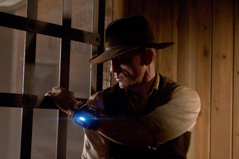 Cowboys et envahisseurs devance Transformers 2 (en téléspectateurs).