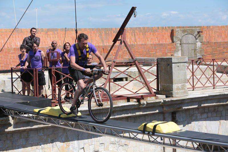 Photos du numéro de Fort Boyard de ce 18 juillet, avec l'équipe de Dominici.