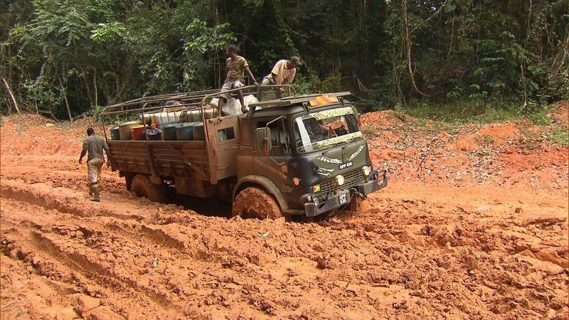 Les routes de l'impossible ce mardi : Guyana, les convois du monde perdu.