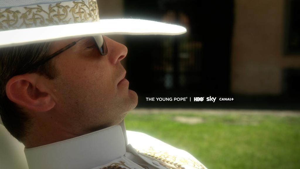 Série The Young Pope avec Jude Law : première photo.