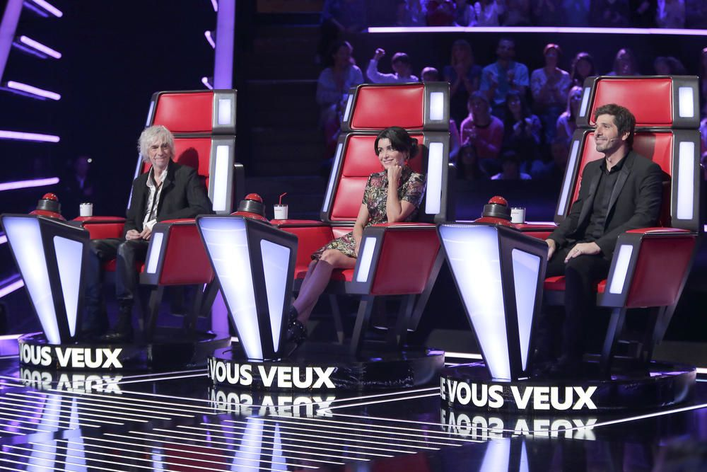 The Voice Kids : la prestation d'Elisa, accompagnée au piano par son papa.