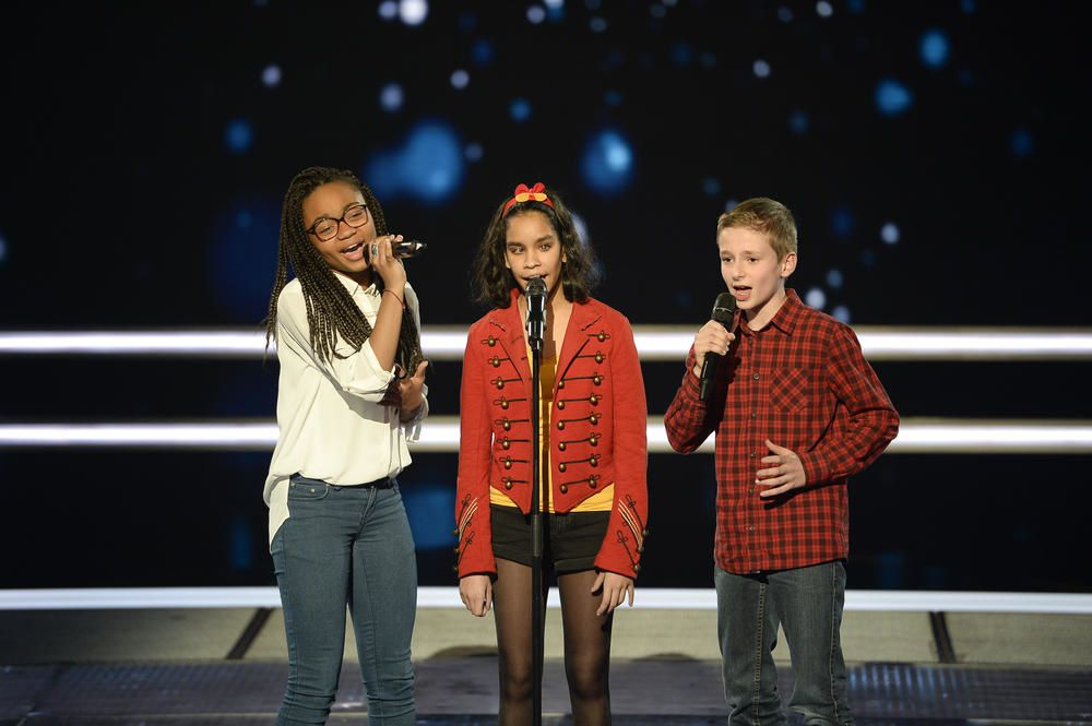 The Voice Kids : la battle Jane, Naomie, Théo sur Vieillir avec toi.