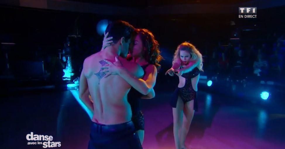 Vidéo DALS : la rumba sensuelle de Priscilla, Christophe et Emmanuelle.