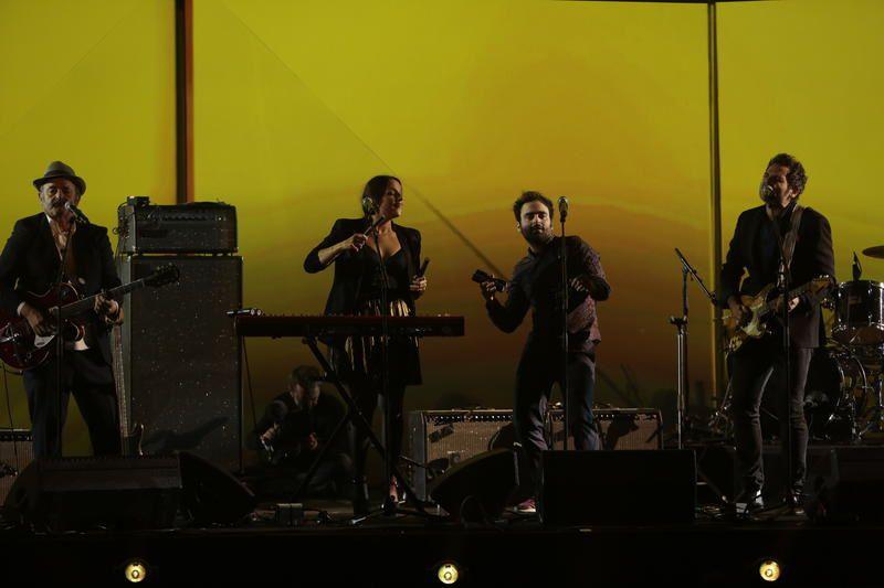 Vidéo du medley de la famille Chédid aux Victoires de la musique.