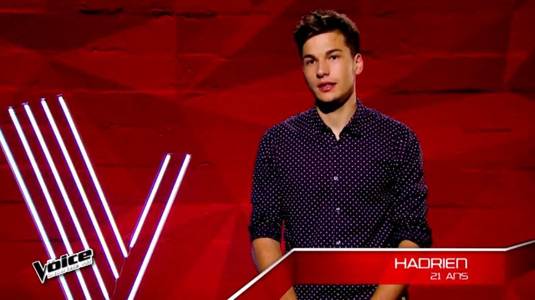 Pas là de Vianney chanté par Hadrien lors des auditions de The Voice (vidéo).