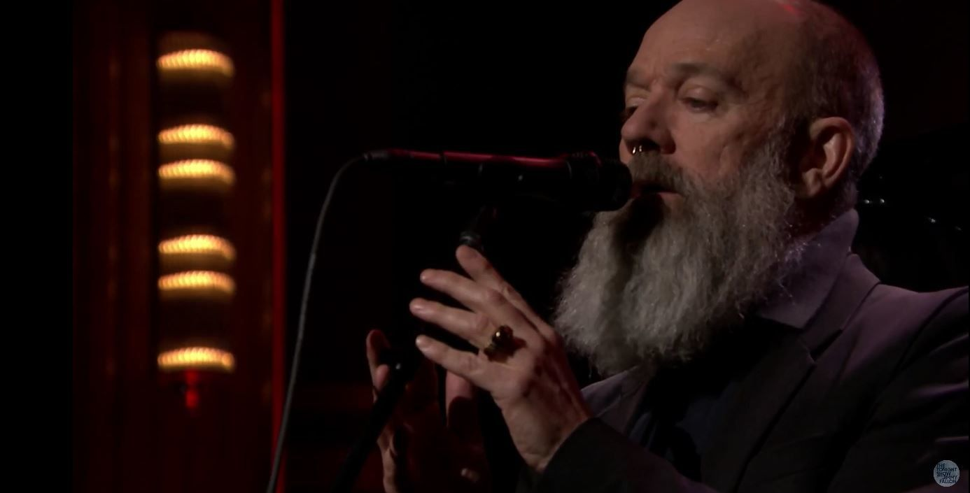 Michael Stipe reprend The man who sold the world dans le talk de Jimmy Fallon.