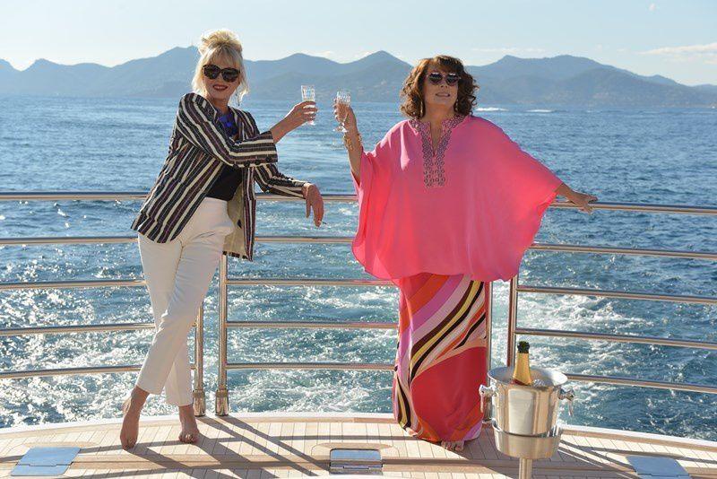 Bande-annonce et guests du film Absolutely Fabulous, avec Jennifer Saunders et Joanna Lumley.