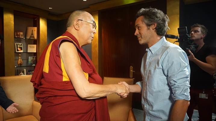 Entretien intégral de Yann Barthès avec le Dalaï Lama (version longue).
