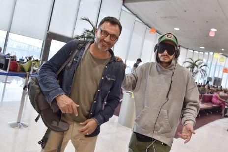 Pour France 2, Kev Adams rencontre les Suri au sud de l'Ethiopie.