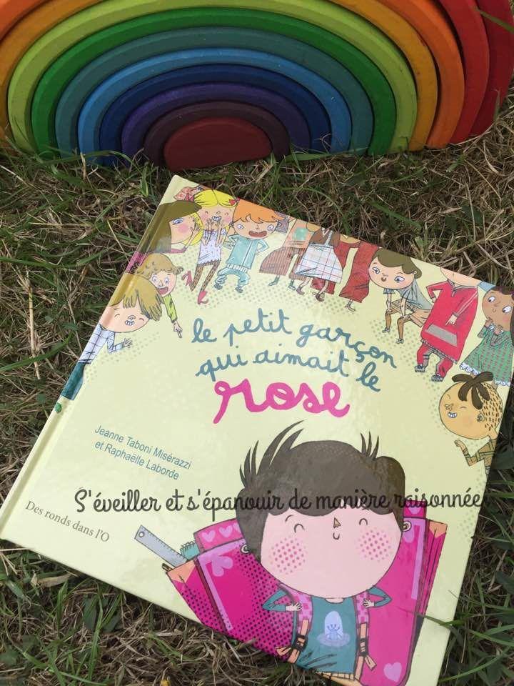 [Biblio] Un album pour lutter contre les stéréotypes, le sexisme et le conformisme : Le petit garçon qui aimait le rose