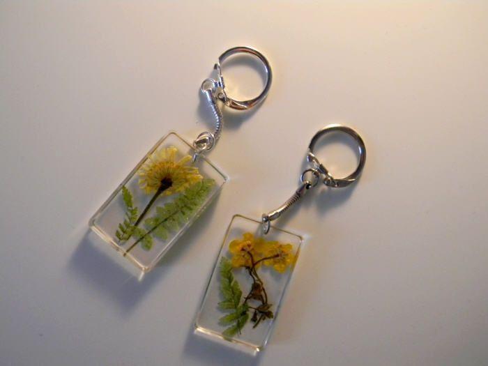 Porte-clés en résine façon &quot&#x3B;herbier&quot&#x3B;