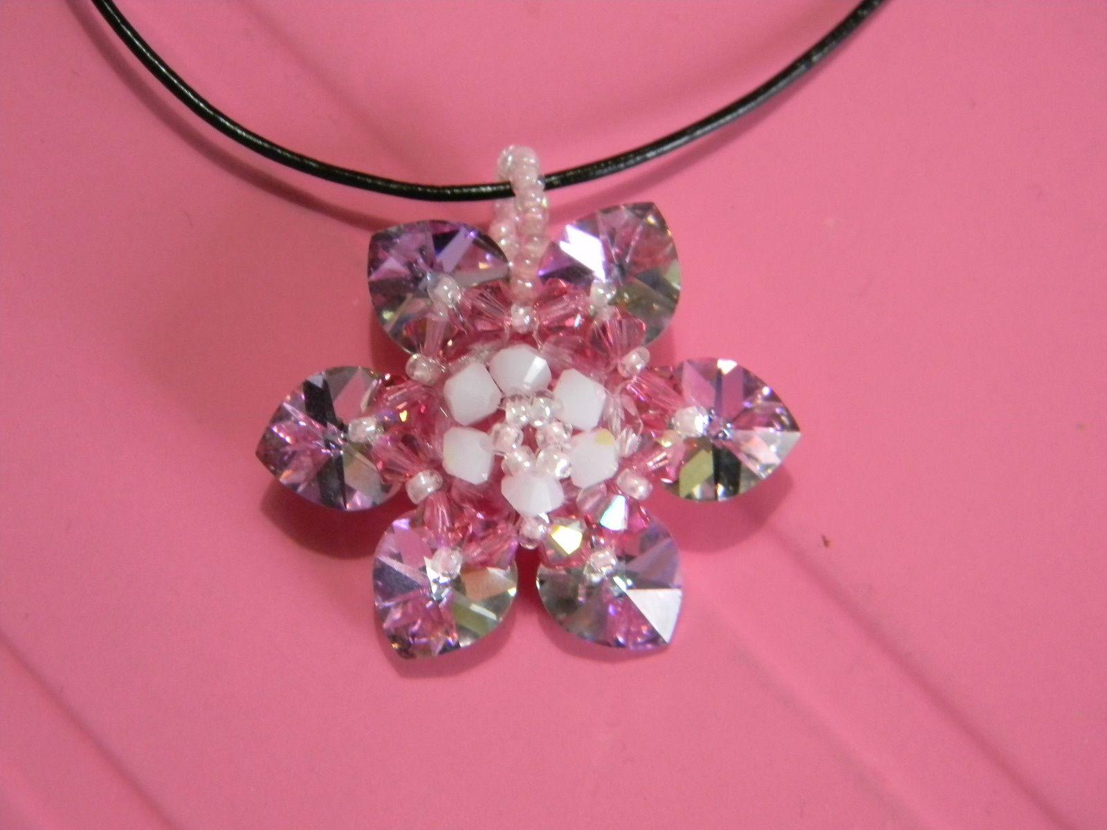Pendentif &quot&#x3B;fleur rose&quot&#x3B;, verre de Bohême et cristal Swarovski