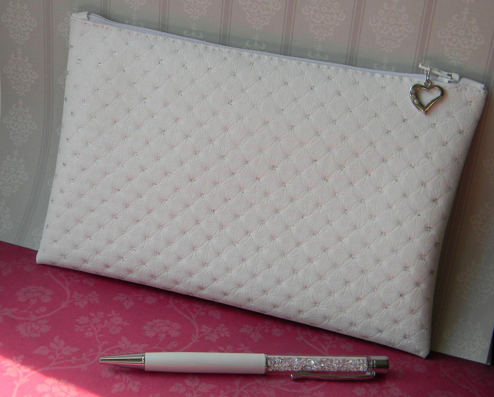 Trousse simili cuir blanc paillett doublure satin for Trousse de couture en cuir