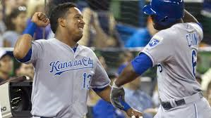 Salvy, Bullpen Lead Royals Over Rays, 5-4
