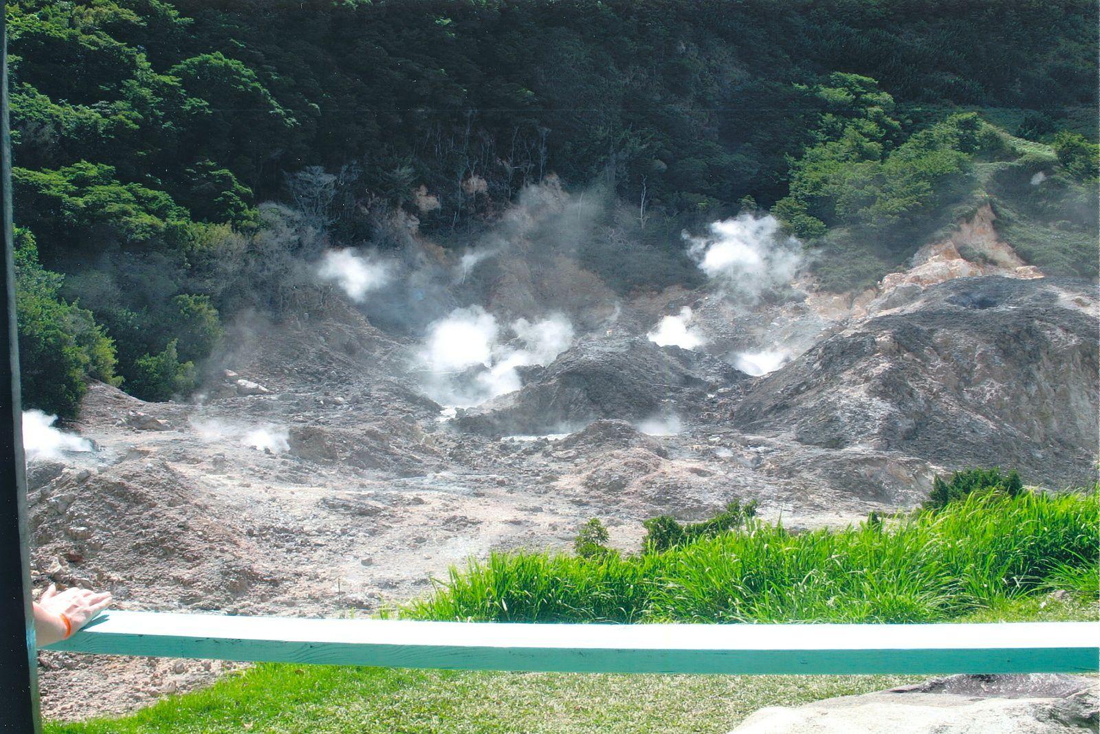 Sources bouillonnantes du volcan de la Soufrière de Sainte-Lucie