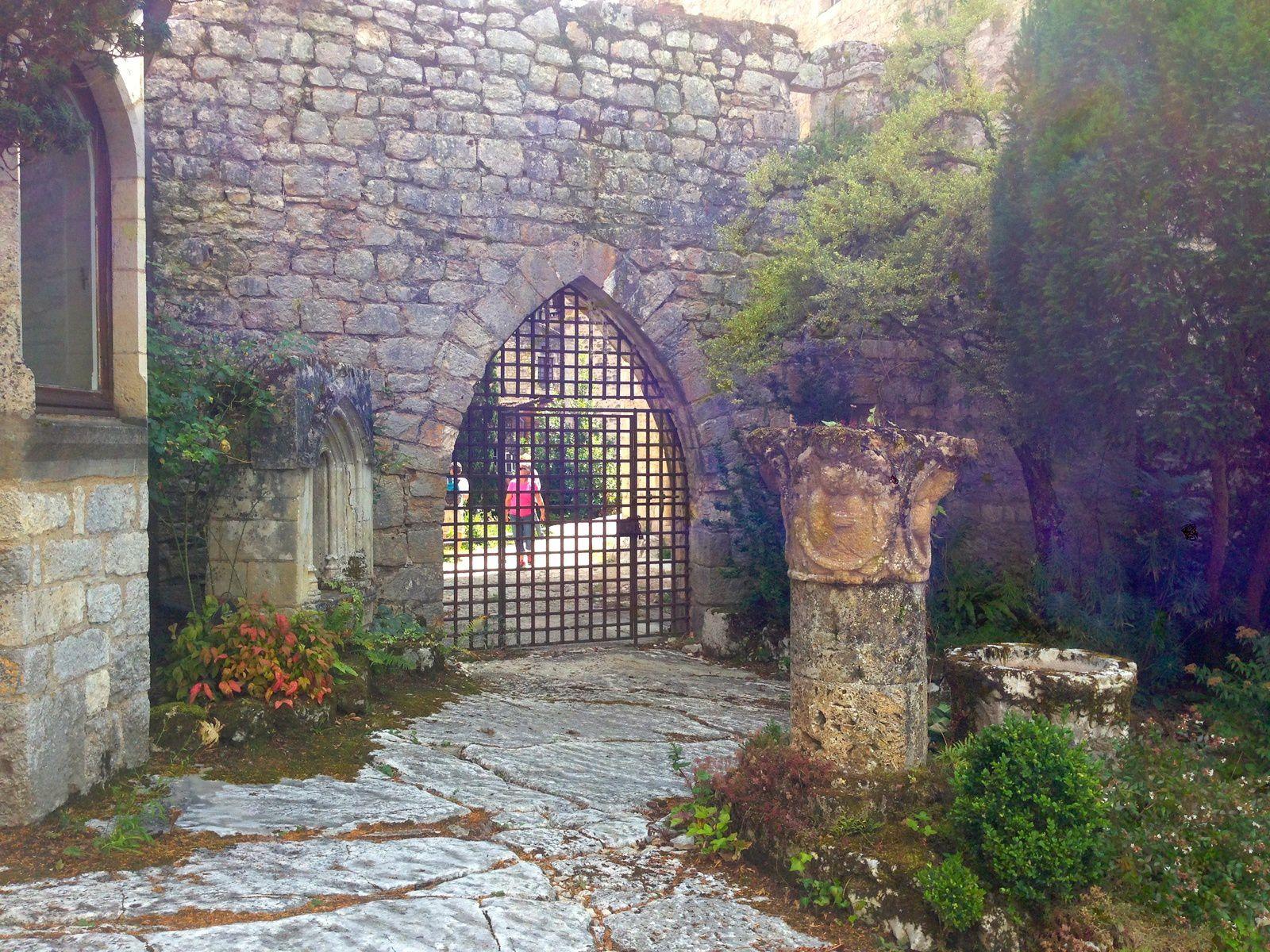 Porte ogivale autrefois fortifiée