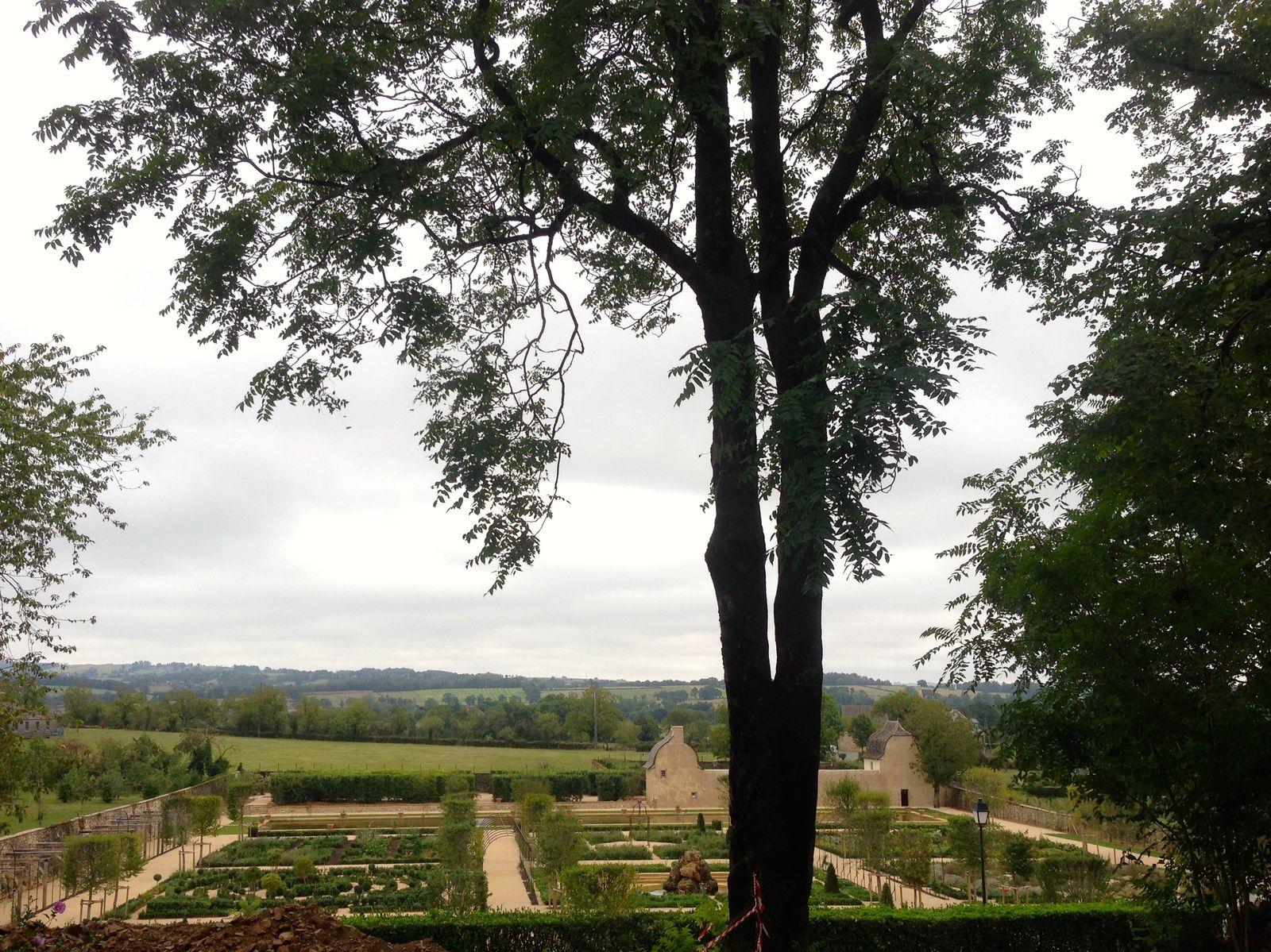Jardins Renaissance du Château de Bournazel - Aveyron