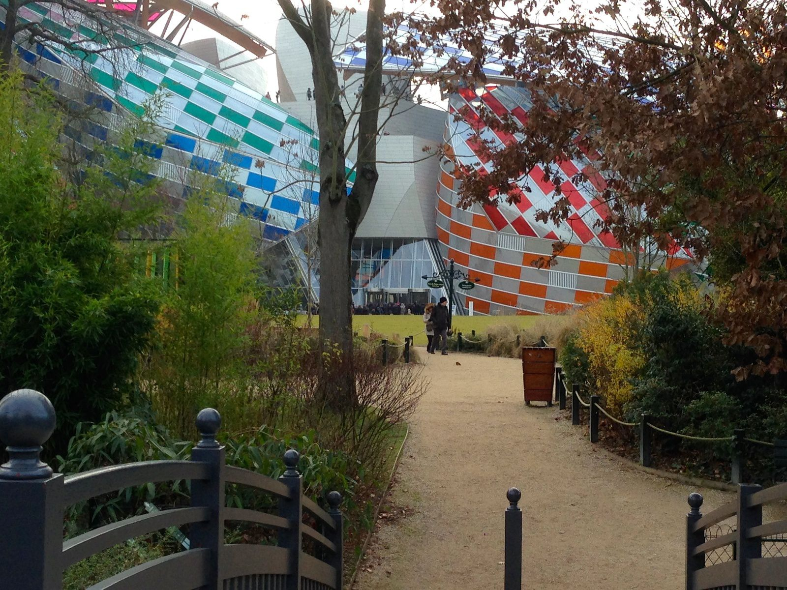 Jardin d 39 acclimatation et fondation louis vuitton paris for Au jardin d acclimatation